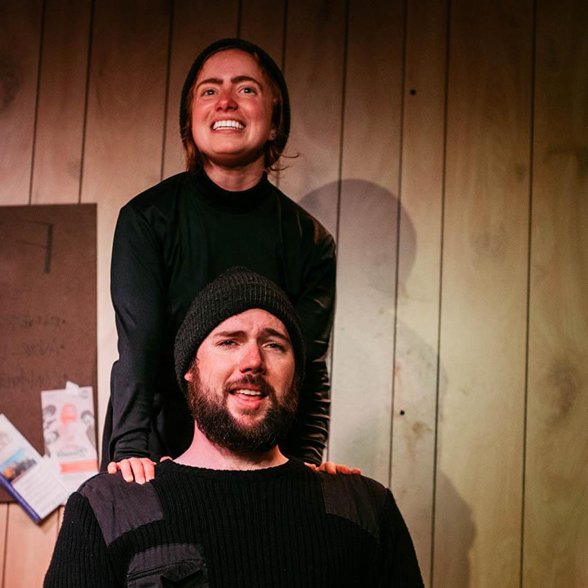 Adieu Beauté : les comédiens brisent la glace avec brio!